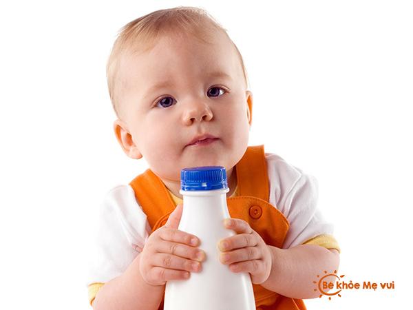 Thực phẩm bé cần tránh theo lứa tuổi
