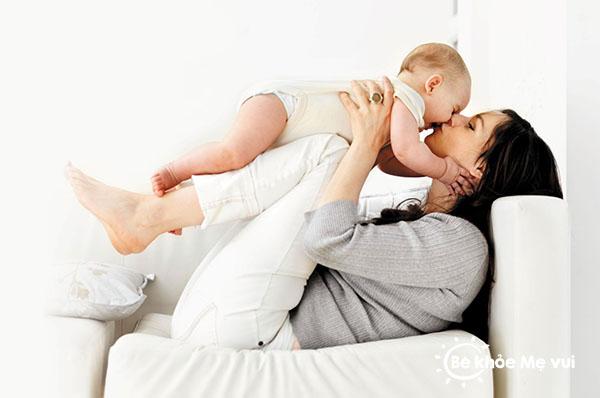 Cach cham soc tre so sinh khoa hoc chăm sóc trẻ sơ sinh Kinh nghiệm và cách chăm sóc trẻ sơ sinh cach cham soc tre so sinh khoa hoc
