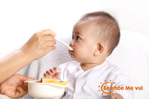 Thực phẩm ăn dặm cho bé 7 tháng tuổi