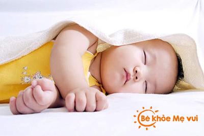Đi tìm những lý do khiến bé yêu khó ngủ