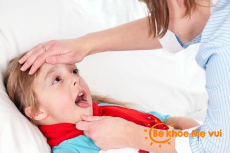 Chữa trị viêm họng cho bé bằng thuốc nam