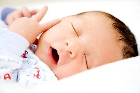 Những lưu ý đặc biệt khi chăm sóc trẻ sơ sinh