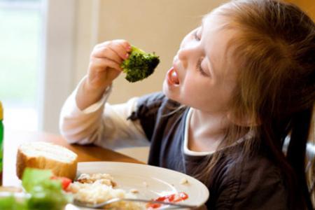 Mẹo giúp bé ham ăn hơn