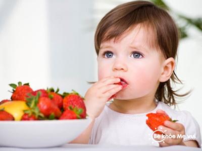 6 Mẹo nhỏ giúp bé hứng thú với món ăn của mẹ