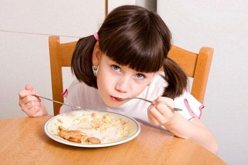 Dưỡng chất mẹ cần bổ sung cho bé biếng ăn