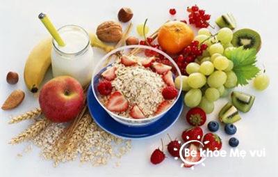 Nhóm thực phẩm ưu tiên cho bé trong mùa hè