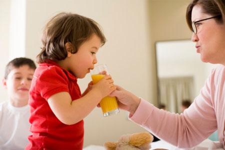 Điều kì diệu từ nước hoa quả mang đến cho bé