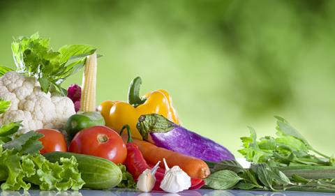 Những điều mẹ cần tránh khi cho con ăn rau
