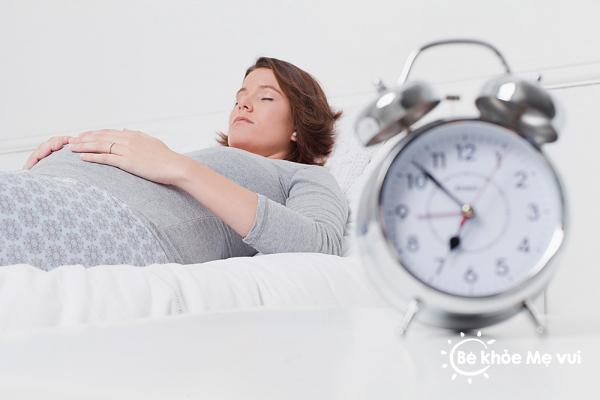 Mẹ nên phòng cúm cho trẻ ngay từ khi trong bụng mẹ