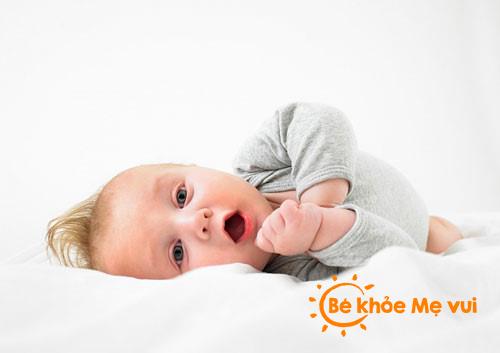 Bí quyết chăm sóc bé 3 tháng tuổi