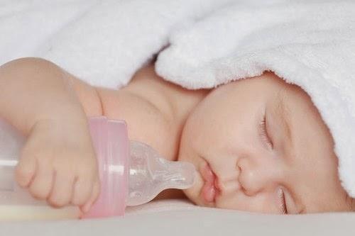 Cách chăm sóc trẻ sơ sinh 3 tháng tuổi