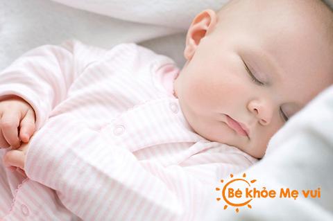 Nguyên tắc phòng bệnh ngày giao mùa cho bé