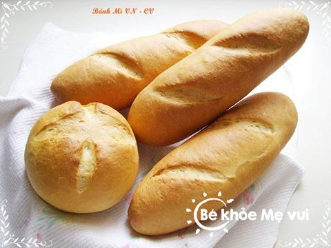 Trẻ bị tiêu chảy nên cho trẻ ăn bánh mì