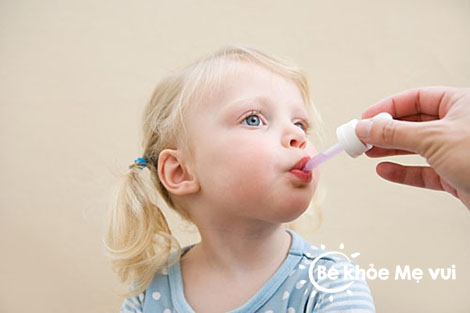 Cần dự trữ thuốc gì cho trẻ trong dịp tết ?