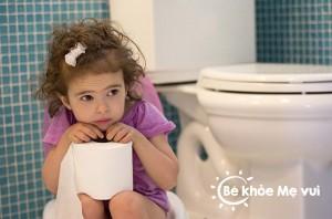 chữa táo bón ở trẻ em
