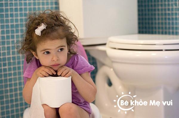 chữa trị bệnh táo bón ở trẻ em