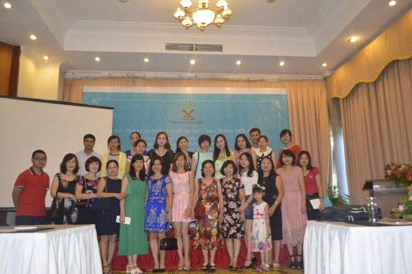 """Các nhà thuốc tại Quảng Ninh và Hải Phòng tham dự buổi lễ :"""" Ra mắt Sản phẩm mới"""" tại Tuần Châu, Quảng Ninh"""