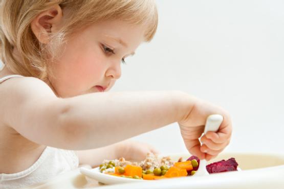 bé biếng ăn chậm tăng cân nguyên nhân cách khắc phục 1
