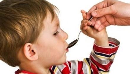 có nên dùng thuốc cho trẻ biếng ăn