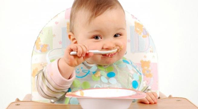 chế độ dinh dưỡng cho bé khi cai sữa