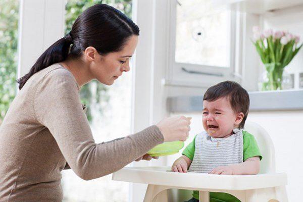trị biếng ăn ở trẻ