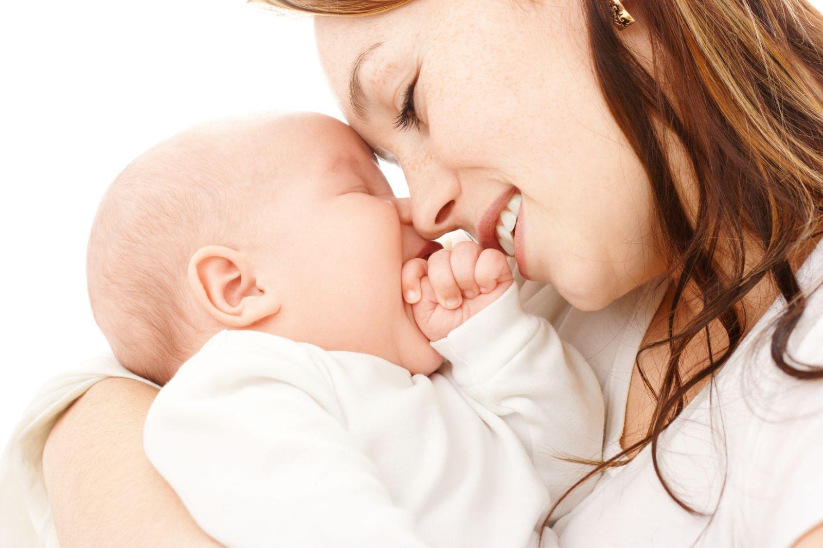 trẻ sơ sinh chậm tăng cân