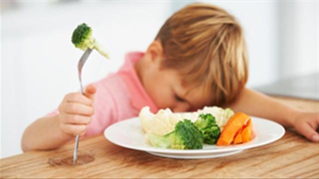 nguyên nhân bé biếng ăn chậm tăng cân 1