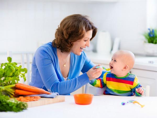khi trẻ biếng ăn có bữa ăn vui vẻ