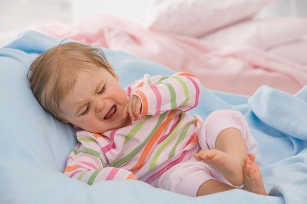 bệnh táo bón ở trẻ làm trẻ quấy khóc