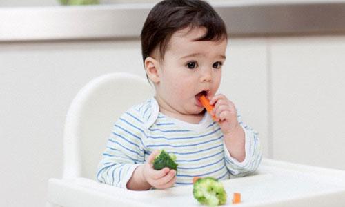 Giúp mẹ xây dựng thực đơn cho bé 10 tháng tuổi đầy đủ dinh dưỡng
