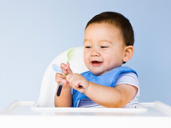 Khi bị biếng ăn, phải làm sao cho bé tăng cân
