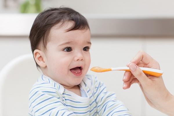 Làm sao cho bé tăng cân khi ở giai đoạn 4 đến 6 tháng tuổi