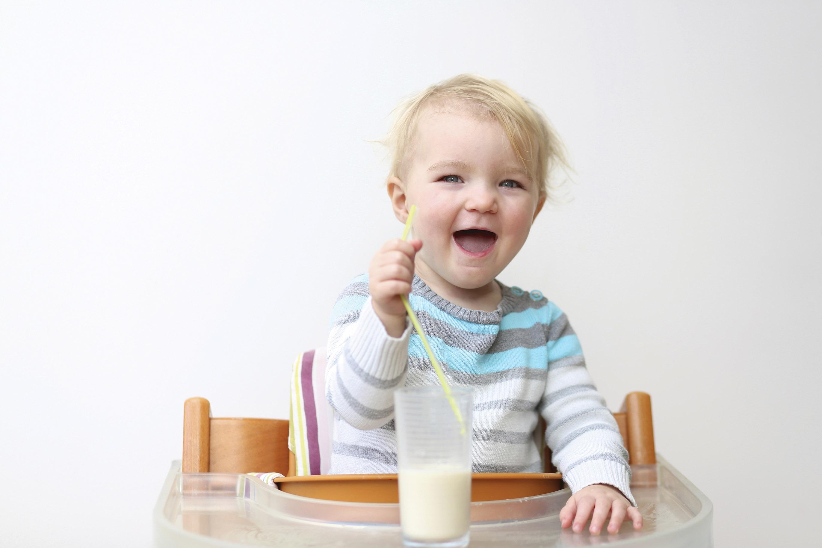 Mách mẹ chế độ dinh dưỡng cho bé biếng ăn chậm lớn