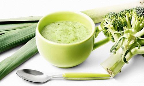 thực đơn nhiều rau xanh hỗ trợ trị bệnh táo bón ở trẻ