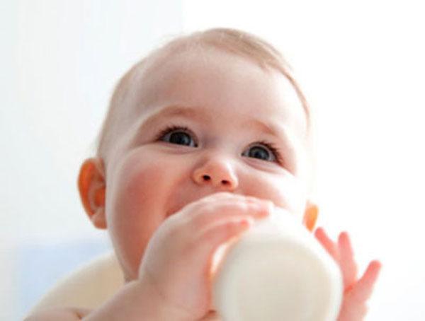 sữa hỗ trợ ngừa táo bón ở trẻ sơ sinh 1